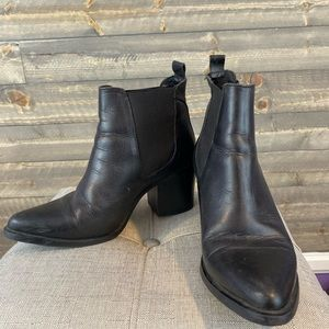 Vintage style Steve Madden leather boots